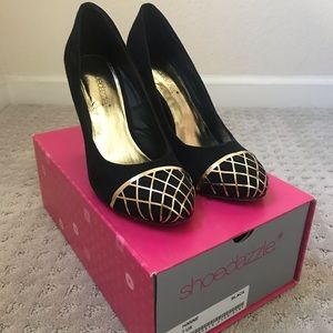 Shoe Dazzle black and gold pumps *BRAND NEW*